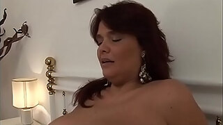 how sexy is my auntie when she039 s naked in the shower