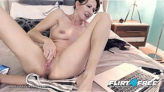 mika cox flirt4free sexy cougar babe w big tits makes her pussy squirt
