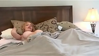 alyssa reece talkes her gf into eating some pussy