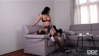 glamour nympho kira queen gets a hardcore pussy workout