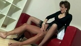 uk milf sonia wants cum but doesnt have time to fuck
