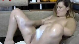 thick and chubby milf rubs her shaved pussy to orgasm