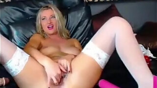 beautiful big boob amateur milf fucks her pussy on webcam